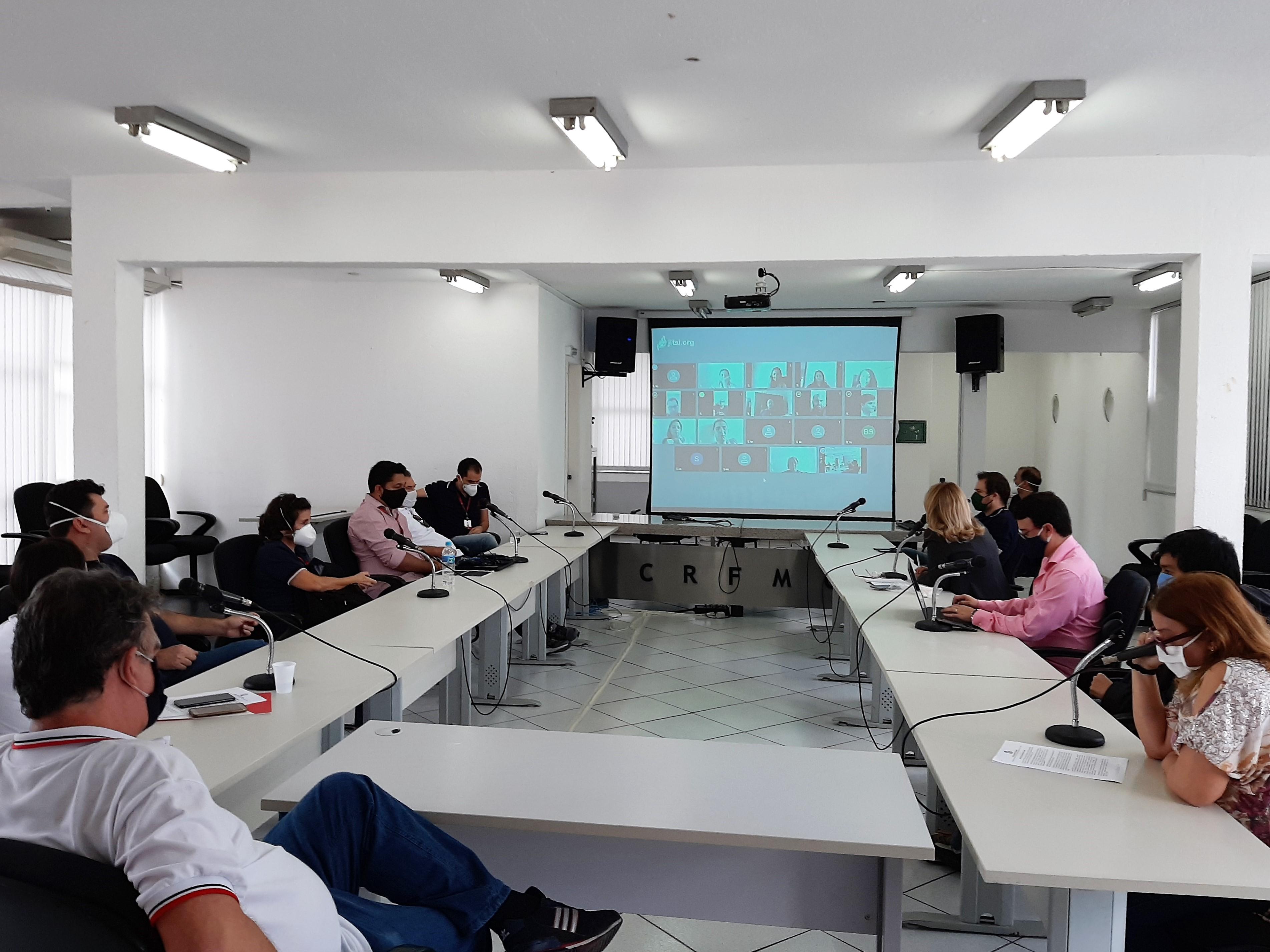 Reuniões e agenda cheia no CRF/MG